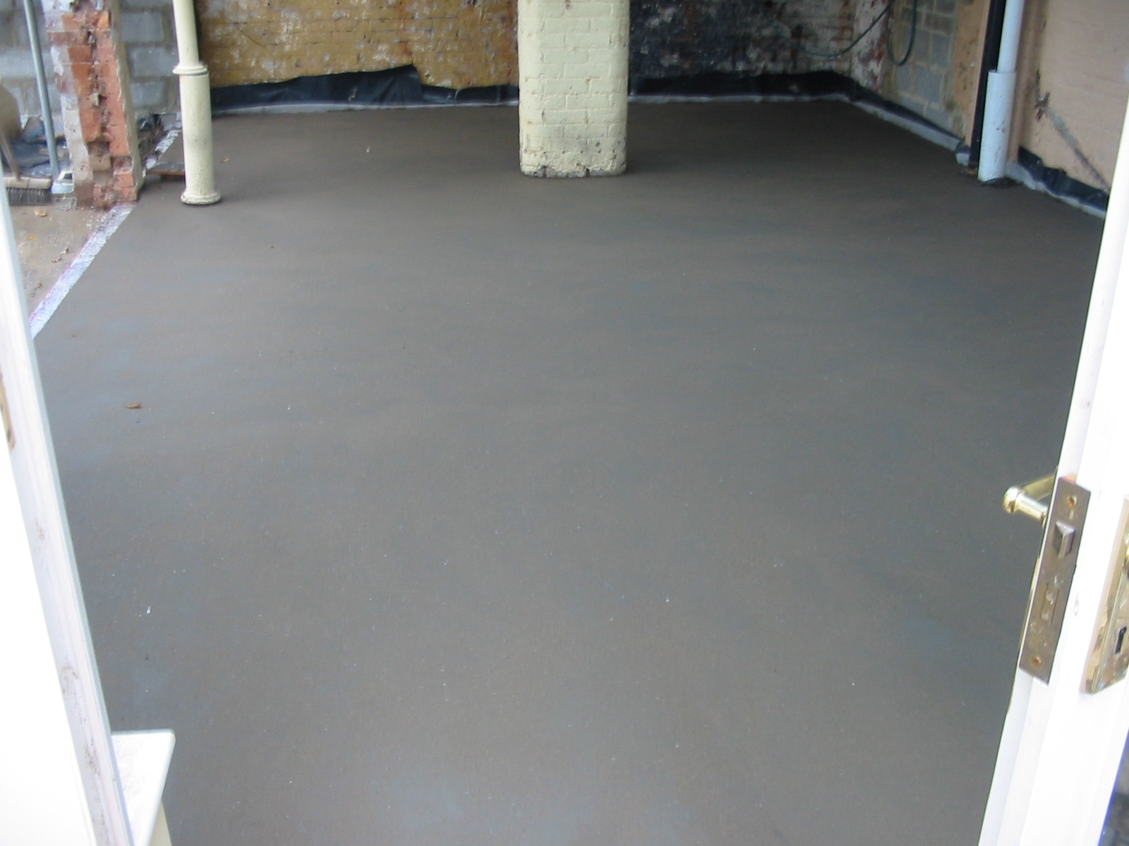 Traditional screed typical freshly laid floor screed this is 14 fibre screed dailygadgetfo Image collections